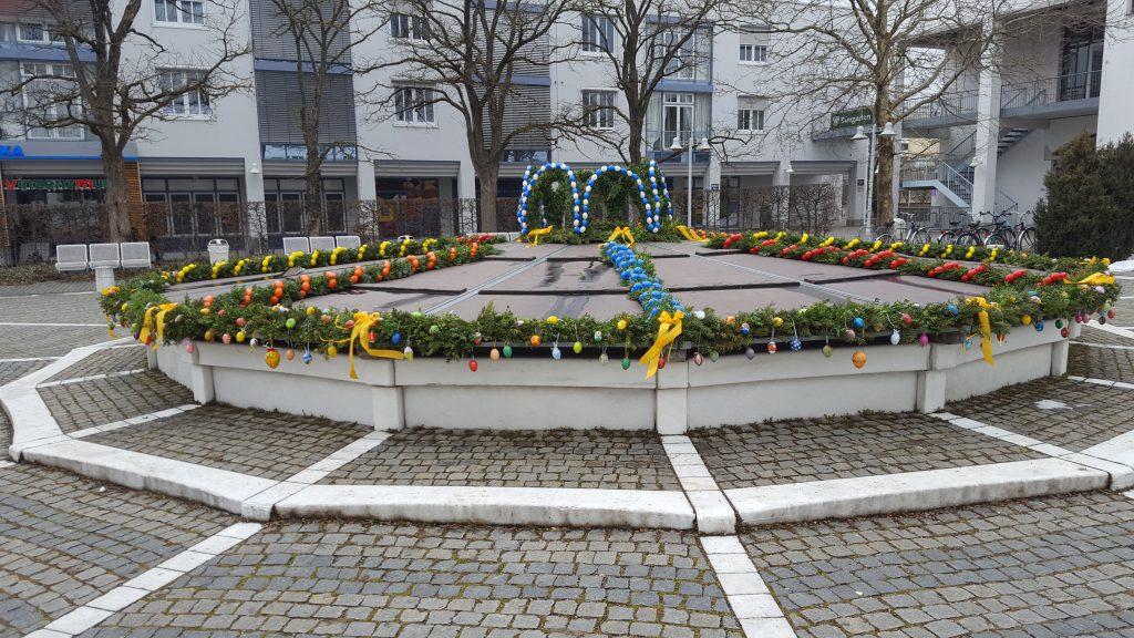 Bild vom Osterbrunnen Ottobrunn 2018